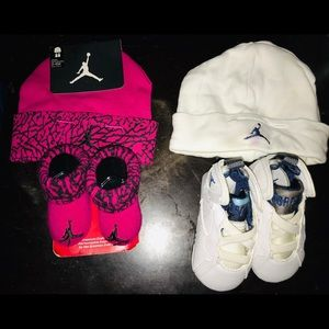 Newborn shoes with hats